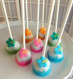 "238 Likes, 6 Comments - Raleigh Cake Pops (@raleighcakepops) on Instagram: ""#hawaiian #cakepops ☀️"""