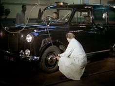 London Taxi: A Fascinating Look at the Life of London Taxi Drivers in the 1960's - Londontopia