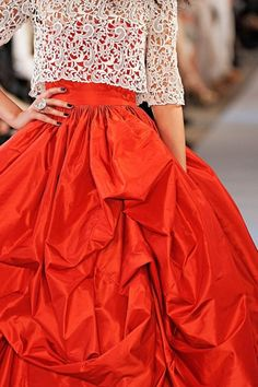 Oscar de la Renta Spring 2012 RTW - Details - Fashion Week - Runway, Fashion Shows and Collections - Vogue Style Haute Couture, Couture Fashion, Runway Fashion, Liu Wen, Beautiful Gowns, Beautiful Outfits, Beautiful Life, Fashion Week, High Fashion