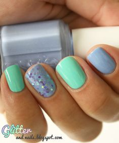 Glitter and Nails: Accent Nail ~ So cute. The glitter ties the two colors together