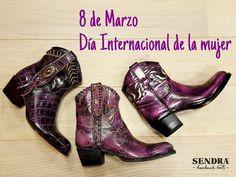 """""""Dale a una mujer un buen par de botas y conquistará el mundo"""" Por vosotras. #Feliz8demarzo #DíaInternacionaldelamujer"""