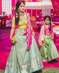 15 Amazing Outfits For Mehendi Function To Try Out in 2019 - Mehndi Dresses Online - Buy lehenga choli online Mom Daughter Matching Dresses, Mom And Baby Dresses, Dresses Kids Girl, Kids Outfits, Kids Lehenga, Lehenga Choli, Lehenga Style, Bridal Lehenga, Anarkali