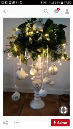 christmas lights Diy Home Dekorieren Quiz Silver Christmas, Noel Christmas, Rustic Christmas, Simple Christmas, Vintage Christmas, Christmas Wreaths, Christmas Crafts, Christmas Ornaments, Christmas Ideas