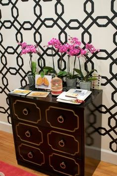 All About Vignettes: Dorothy Draper Espana Dresser