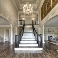 30 Luxurious Grand Staircase Design Ideas For Amazing Home Foyer Staircase, Entryway Stairs, Staircase Design, Grand Foyer, Grand Entrance, Style At Home, Grande Cage D'escalier, Future House, Home Fashion