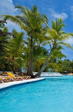 ¡Ven y disfruta de nuestra piscina! :D #cataloniaBavaroBeach