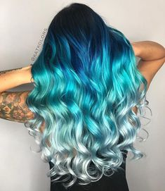 @katkolors is the artist... Pulp Riot is the paint. #pulpriothair #ombrehair #haircolor