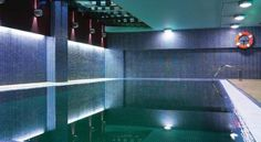 Silken Monumental Naranco Oviedo Located in the Losa de Renfe area of Oviedo, this modern, 4-star hotel features an indoor swimming pool, a gym and sauna. The elegant rooms come with a flat-screen TV and free Wi-Fi.
