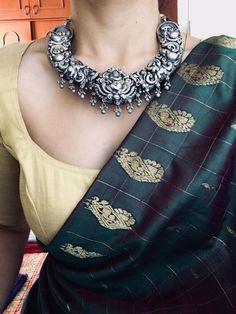 Silver Necklace – Page 2 – Tamara Simple Sarees, Trendy Sarees, Stylish Sarees, Saree Blouse Patterns, Saree Blouse Designs, Western Outfits, Indian Outfits, Indian Clothes, Indian Dresses