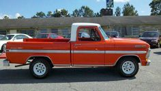 I totally am keen on this color selection for this 1984 Classic Ford Trucks, Ford Pickup Trucks, F100 Truck, Cool Trucks, Cool Cars, New Cars For Sale, Old Fords, Ford Motor Company, Vintage Trucks