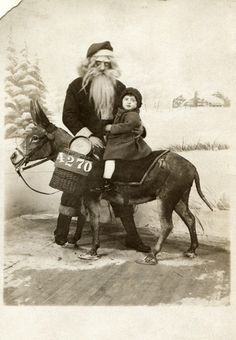 This Santa who looks like he is using that donkey to help steal souls: 21 Insanely Creepy Santa Claus Photos That May Ruin Your Christmas Creepy Old Pictures, Creepy Images, Santa Pictures, Creepy Pics, Halloween Pictures, Rare Pictures, Vintage Christmas Photos, Victorian Christmas, Vintage Holiday