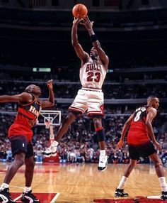 Michael Jordan Basketball, Michael Jordan Chicago Bulls, Nba Players, Basketball Players, Jordan Logo Wallpaper, Michael Jordan Pictures, Jordan Quotes, Jeffrey Jordan, Sport Nutrition