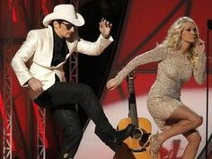 Brad Paisley & Carrie Underwood Gangham Style at CMA Awards 2012. I LOVE this! absolutely hillarious!