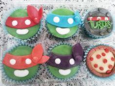 Cupcakes de las Tortugas Ninja. (Los hace @Zazil Martínez, les cuento.)