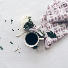 Coffee and Flowers   : @suvimonmalee #GetCoffeeBeHappy