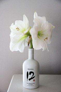 Koti 3:lle, White Christmas Flowers (and #Blossa '12 Bottle)