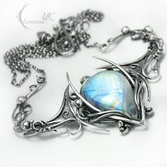 Silver and moonstone necklace by LUNARIEEN.