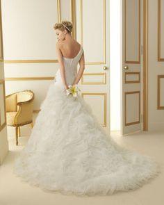 183 TRISTAN / Wedding Dresses / 2013 Collection / Luna Novias (back)