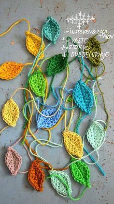 Crochet Leaves - Chart by Ingthings Crochet Leaf Patterns, Crochet Leaves, Crochet Motifs, Crochet Flowers, Crochet Stitches, Crochet Diagram, Crochet Bunting, Knit Or Crochet, Crochet Crafts