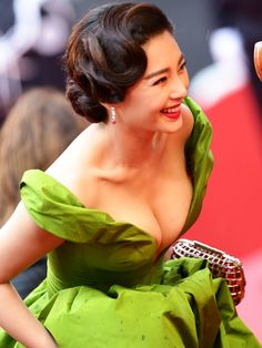 Zhang Yuqi Cleavetastic at Cannes regarding Global Boobtastic Attention - http://www.xcelebritygossip.com/2013/05/zhang-yuqi-cleavetastic-at-cannes-regarding-global-boobtastic-attention.html