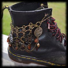 Steampunk Boot Chain Bracelet Destiny Convertible by Alluvium13