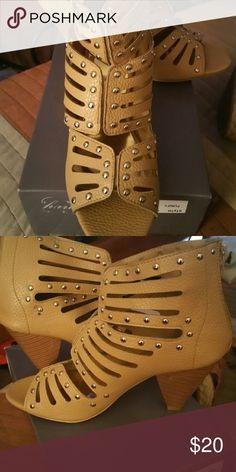 Camel HOT heels/ NEVER WORN Zip up back camel heels with silver hardware Shoes Heels