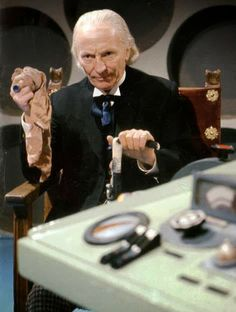 First Doctor (William Hartnell) Doctor Who Costumes, Dr Williams, William Hartnell, Classic Doctor Who, Tv Doctors, Watch Doctor, Sci Fi Tv, First Doctor, 23 November