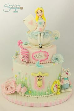 Alice - Cake by Sweet Janis