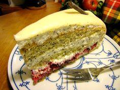 Mohn-Marzipan-Torte mit Preiselbeeren - (c) 2011 by Haus-Zillertal