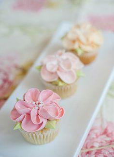 ♔ Lovely Floral Cupcakes