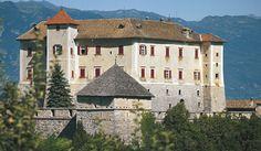 Castel Thun #InvasioniDigitali 28 aprile dalle ore 15:00 alle ore 17:00 Invasore: ValdiNon