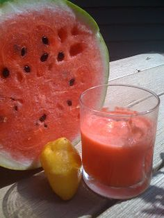 Watermelon juice: nice and easy summer drink for kids