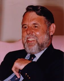 Humanitarian Terry Waite Speaks at 2012 Undergraduate Commencement Ceremony.