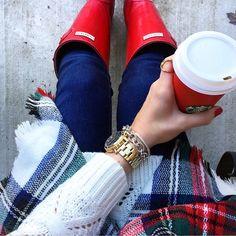 """""""It's my favorite time of year! ☃ // Shop my look via  @liketoknow.it www.liketk.it/1VH2L #liketkit #redcup #tistheseason"""""""