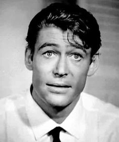 Young Peter O'Toole...legendary actor, even more legendary drinker. Love those eyes.