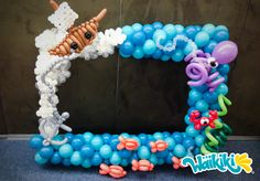 Adorable photo frame with twist techniques. Pool Party Themes, Birthday Party Decorations, Birthday Parties, Little Mermaid Birthday, Little Mermaid Parties, Dragon Baby Shower, Party Photo Frame, Balloon Arch, Balloon Frame