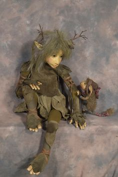 The Dark Crystal Elves And Fairies, Clay Fairies, Elfen Fantasy, Fantasy Art, Fantasy Dolls, Woodland Creatures, Magical Creatures, Kobold, Fairy Crafts