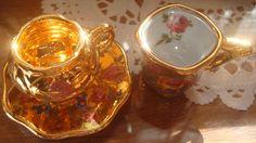 Mini xícaras de porcelana, pintada com ouro
