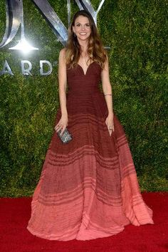Sutton Foster in an ombre Naeem Khan dress at the 2015 Tony Awards