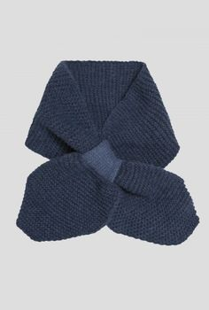 Bow Neck Tie | Neat little scarf in a vintage neck tie style. In soft, non-itch yarn with a lovely textured knit. Perfect for keeping your neck warm without the bulk of a long scarf.