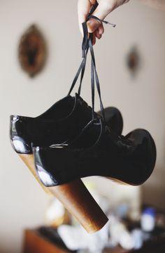 Adorable chunky heels.