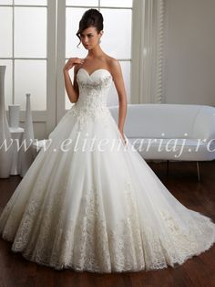 Wedding Dresses Ball Gown, Glamorous Organza Sweetheart Neckline Natural Waistline Ball Gown Wedding Dress With Beaded Lace Appliques DressilyMe Wedding Dress Topper, Wedding Dresses Nz, Wedding Dress Buttons, Groom Wedding Dress, Ivory Lace Wedding Dress, Bridal Dresses Online, Wedding Dress Shopping, Cheap Wedding Dress, Bridal Gowns