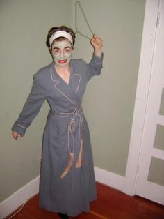 NO WIRE HANGERS EVER! Mommie Dearest Halloween costume, LOVE