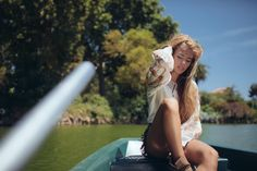 Petite balade en barque #blouse #ninakaufmannofficial #balade #ete #boho #gypsy #fashion #beautiful Go shop now on www.ninakaufmann.com