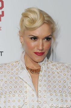 Singer Gwen Stefani arrives at the 'In the Land of Blood and Honey' premiere held at ArcLight Cinemas on December 8, 2011 in Hollywood, California.