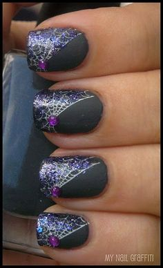 Purple Glitter Spiderweb Nail Art | #halloween #nailart #halloweennails
