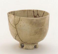 Satsuma ware tea bowl | Edo period | Stoneware w clear glaze & gold lacquer repairs | Kagoshima city, Japan | 9.8 cm H; 11.8cm W