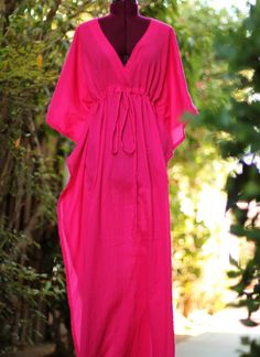Caftan Maxi Dress - Beach Cover Up Kaftan in Fuchsia Cotton Gauze - 20 Colors Abaya Style, Tropical Outfit, Maxi Robes, Looks Chic, Beach Dresses, Dress Beach, Abaya Fashion, Diy Clothes, Beachwear