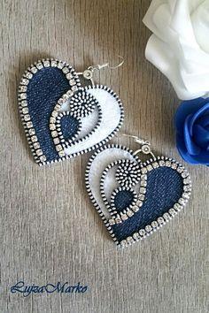 Denim zipper heart earrings - Best Do It Yourself (DIY) Ideas 2019 Fabric Jewelry, Beaded Jewelry, Handmade Jewelry, Diy Zipper Jewelry, Diy Zipper Earrings, Fabric Earrings, Textile Jewelry, Jewellery, Zipper Flowers