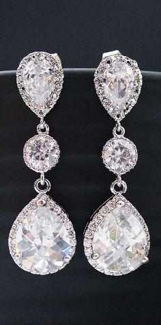Wedding jewelry earrings http://www.lunacatstudio.fr